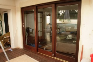 Double sliding door set